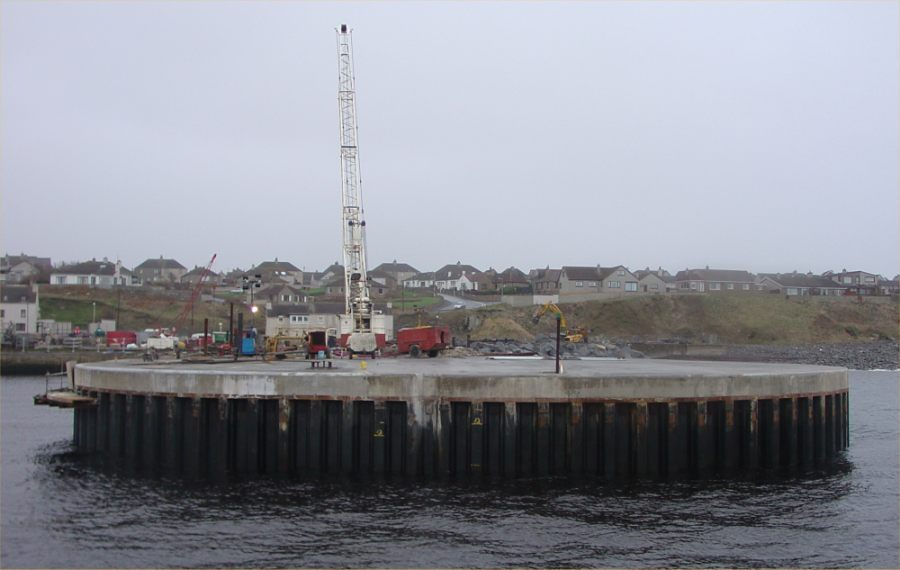 Photo: North Pier Wick 30 December 2004