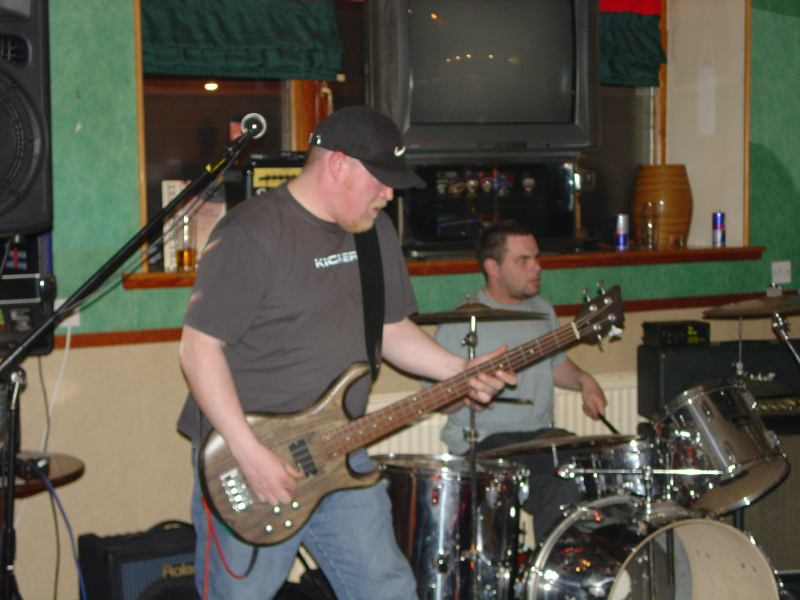 Photo: De Ja Vu Playing At Blackstairs, Wick - 29 April 2006