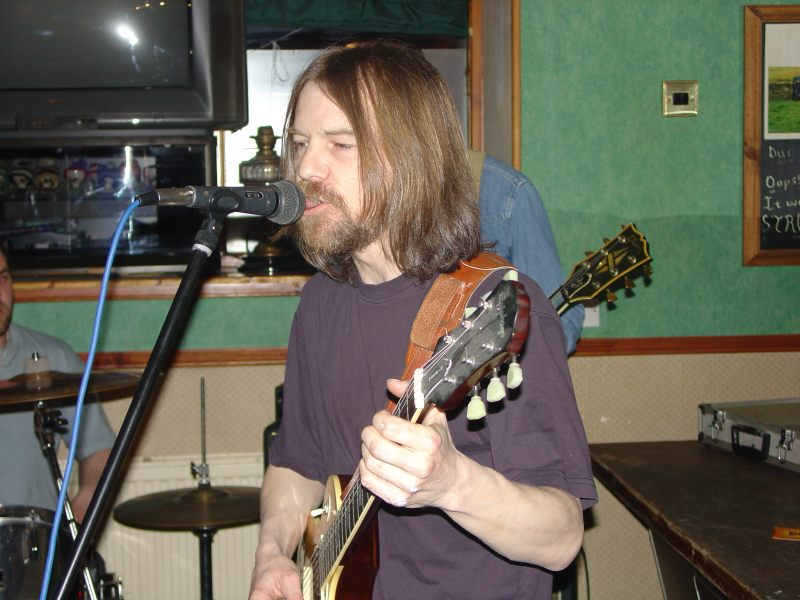 Photo: De Ja Vu Playing At Blackstairs, Wick - 29 April 2006