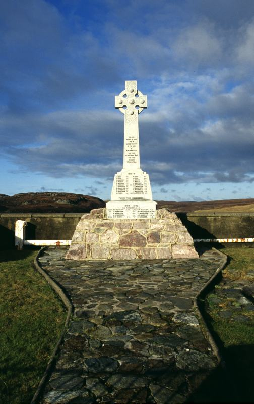 Photo: War Memorial Kinlochbervie