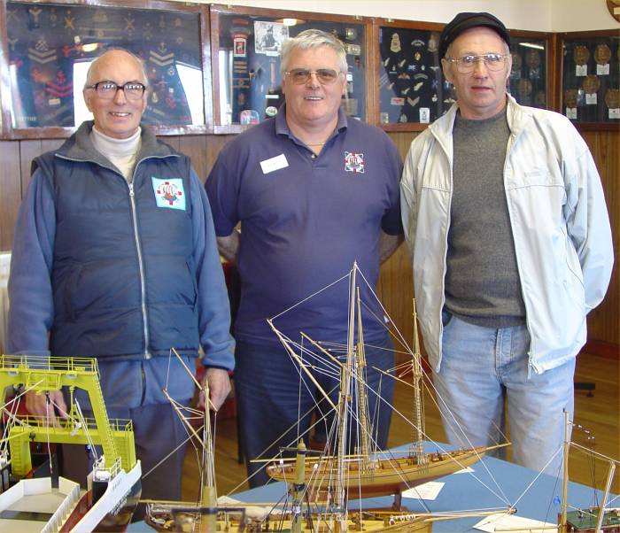 Photo: Pentland Model Boat Club Show Winners 2006