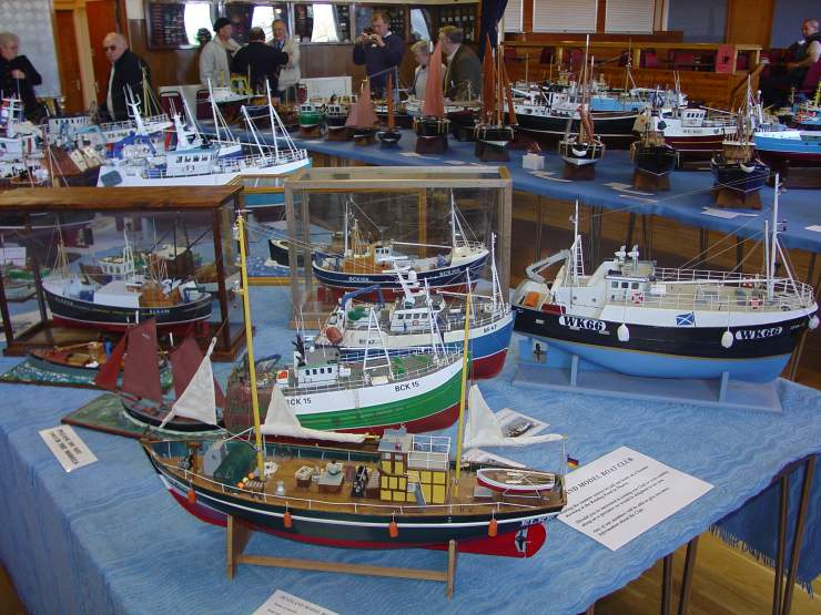 Photo: Pentland Model Boat Club Show 2006