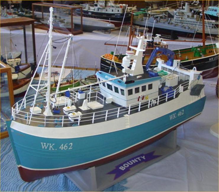 Photo: Pentland Model Boat Club Show 2006 - WK462 Bounty