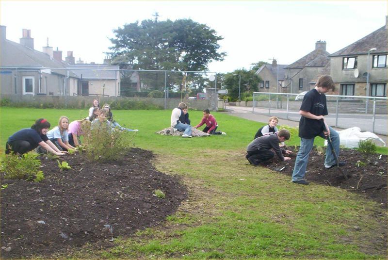 Photo: Halkirk School Garden Project 2006