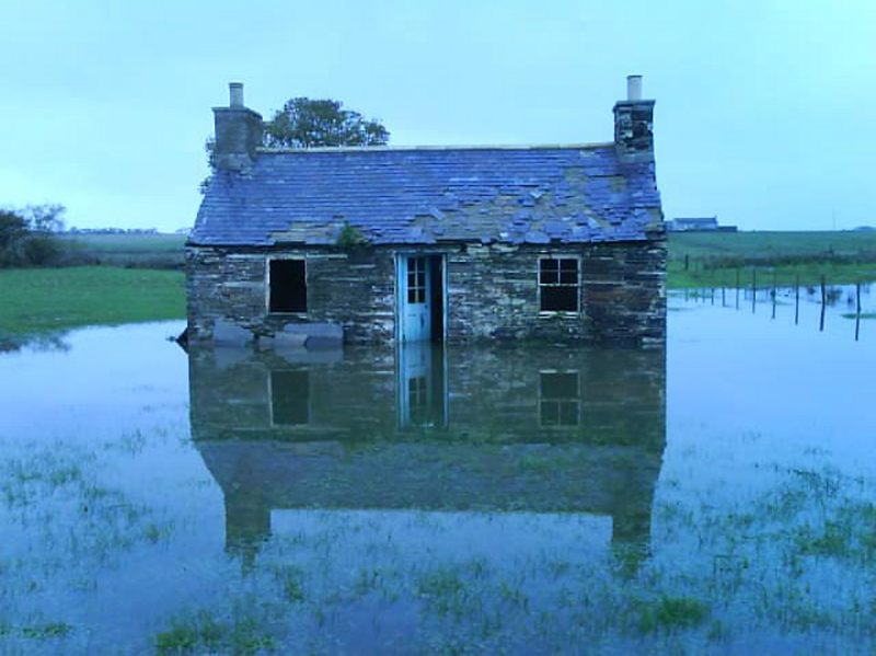 Flooding in the watten area 1 of 1 an old house at for Classic house 2006