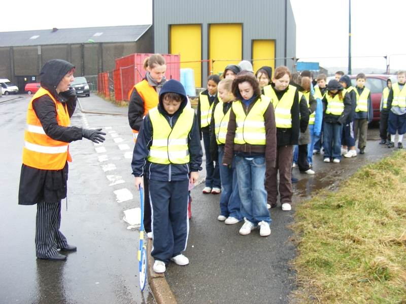 Photo: South School Pupils Measuring And Checking Pavements
