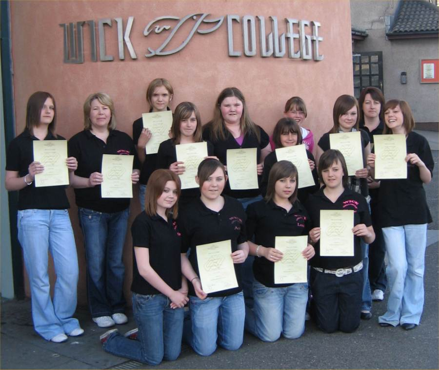 Photo: Wick Girls Group Members Gain Emergency First Aid Certificates