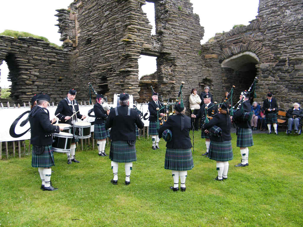 Photo: Clan Sinclair Gathering 2010 At Girnigoe Castle Reopening Launch