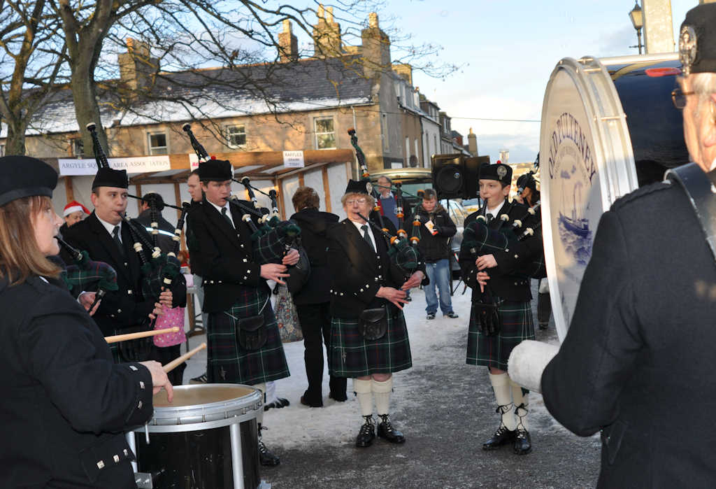 Photo: Argyle Square Christmas Fun Day - Pipe Band