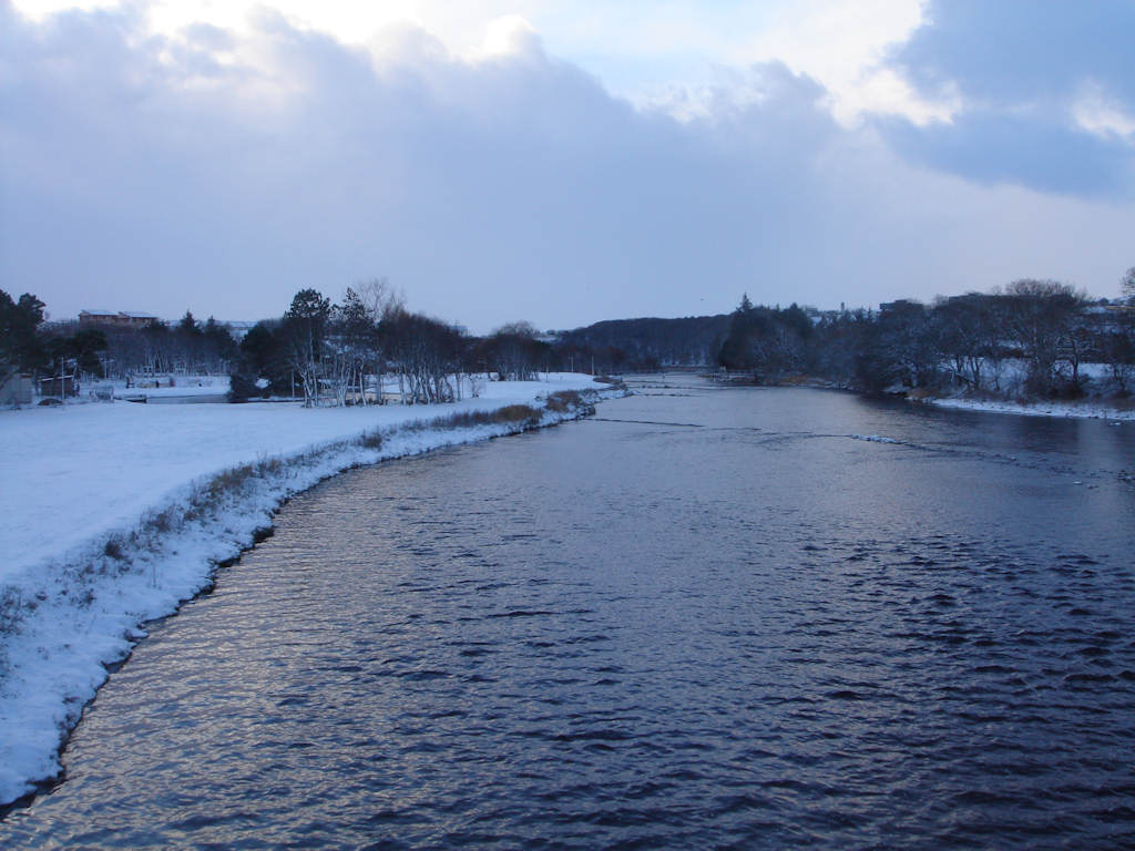 Photo: Thurso River - from the main bridge looking west