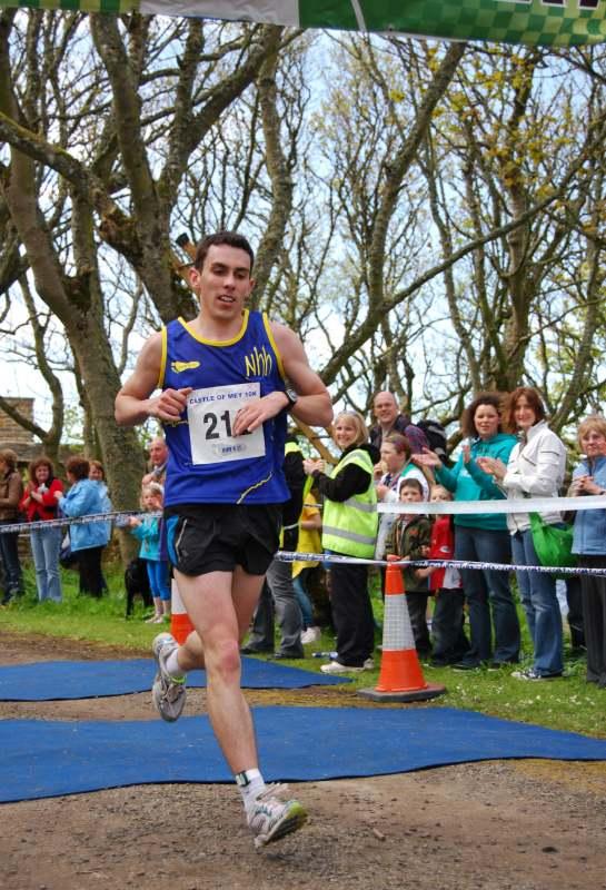 Photo: Andrew Douglas Wins Mey 10K Run 2010