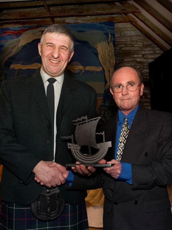 Photo: Good Neighbour Award - Ian MacLean