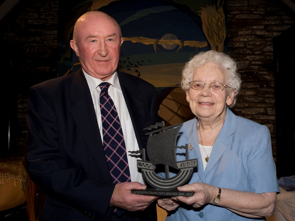 Photo: Voluntary Service Award - Mrs Jean Macdonald