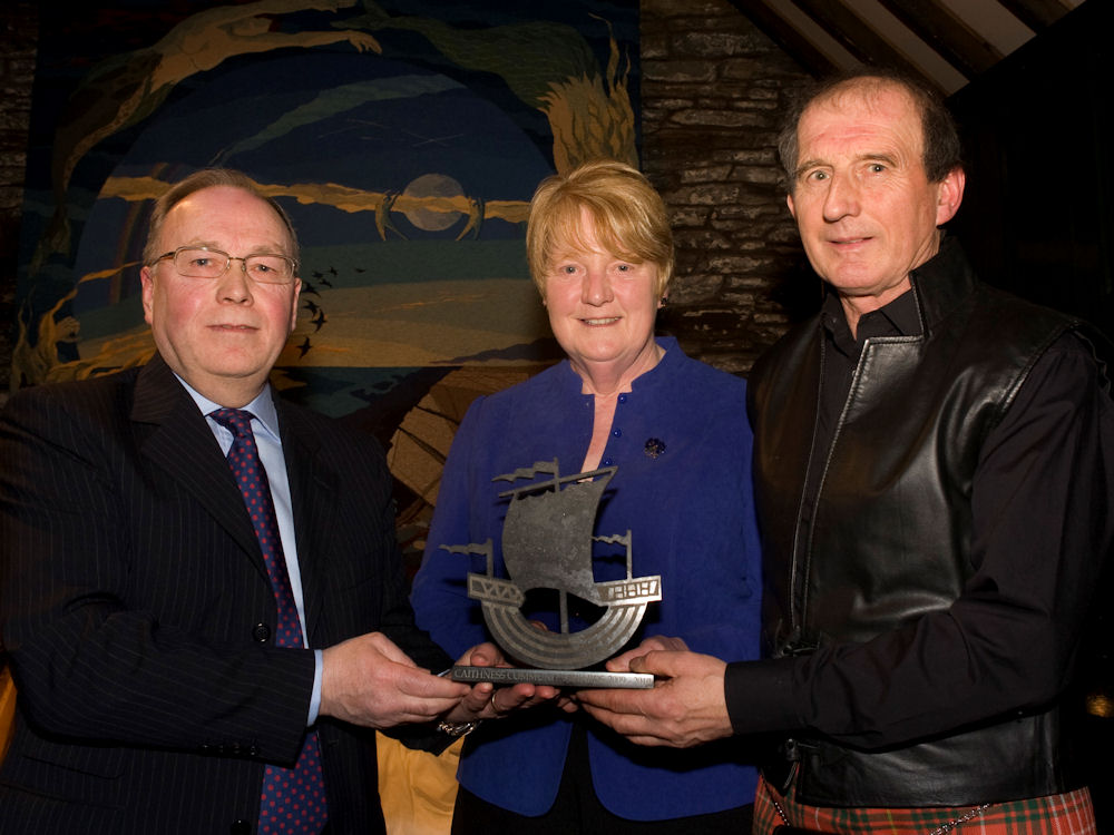 Photo: Good Neighbour Award - William and Roslyn Bruce