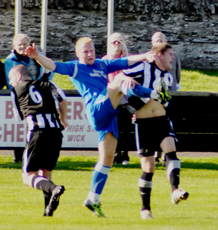 Photo: Wick Academy 9 Coldstream 1