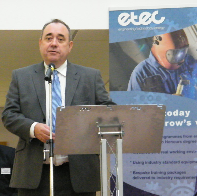 Photo: First Minister Alex Salmond Opens New College Buildings