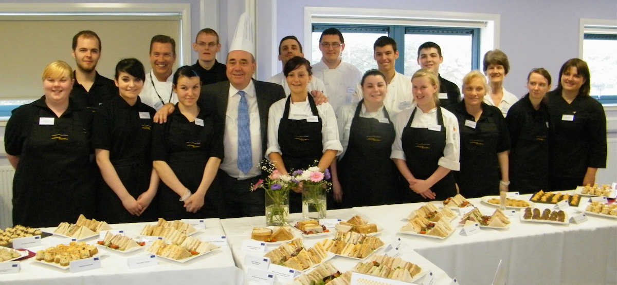 Photo: First Minister Alex Salmond With Catering Students