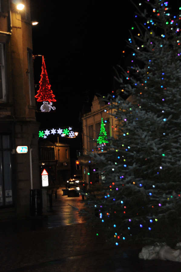 Photo: Christmas Tree at Market Square Wick