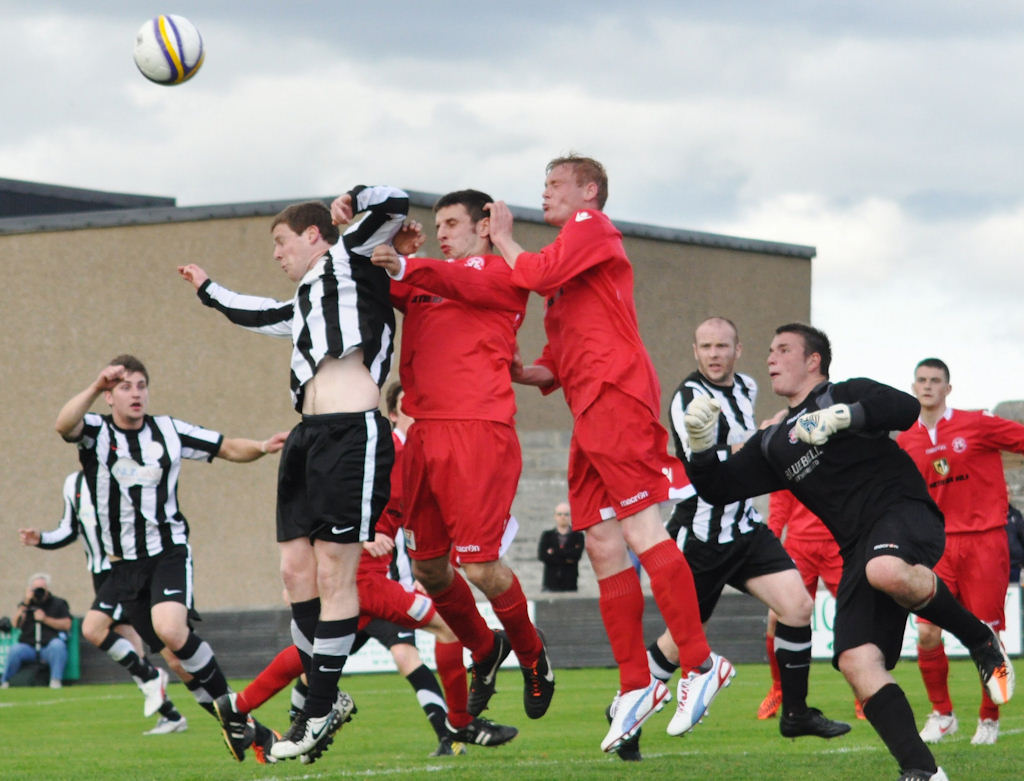 Photo: Wick Academy 5 Lossiemouth 3
