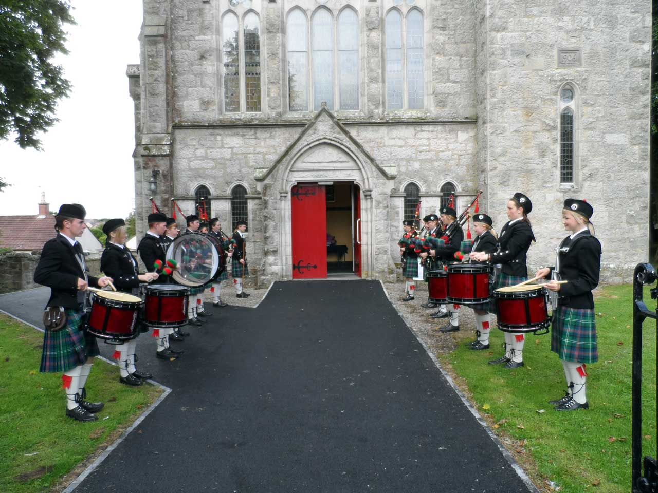 Photo: Sutherland Schools Pipe Band Started The Day
