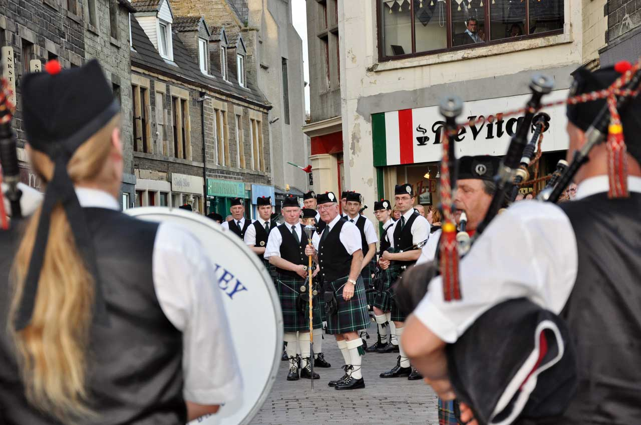 Photo: Wick Pipe Band and Happy Pipers Of Lucerne