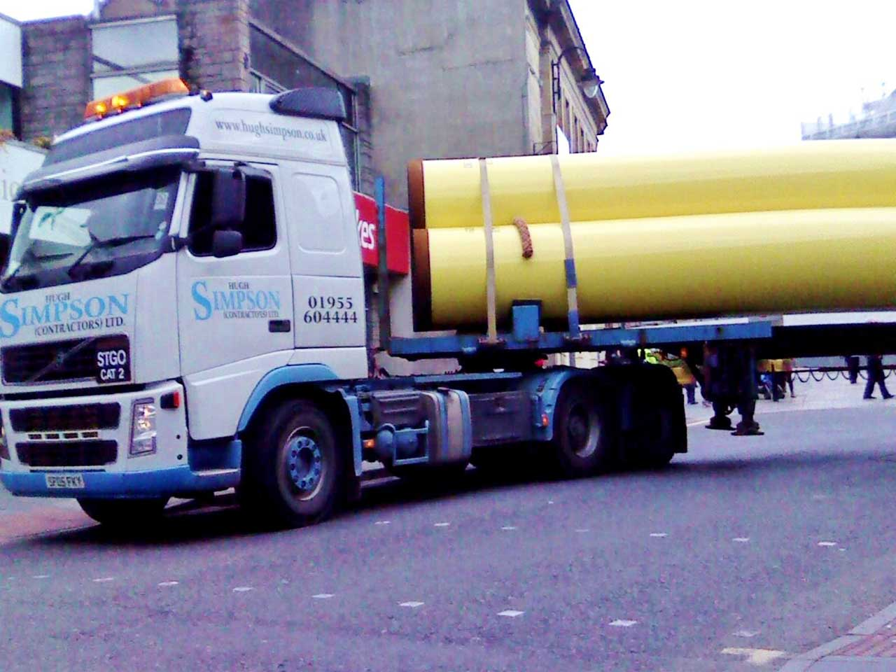 Photo: A Simpson's Driver Carefully Heads Through Wick