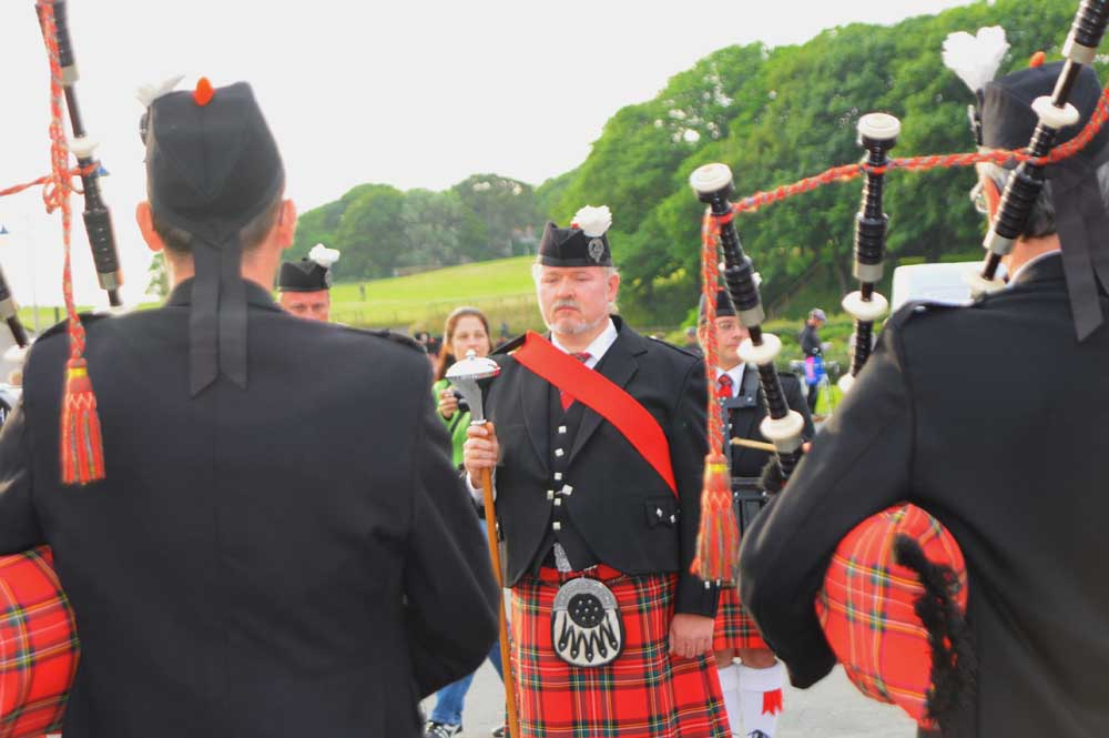 Photo: Waldsee and Wick Pipe Bands
