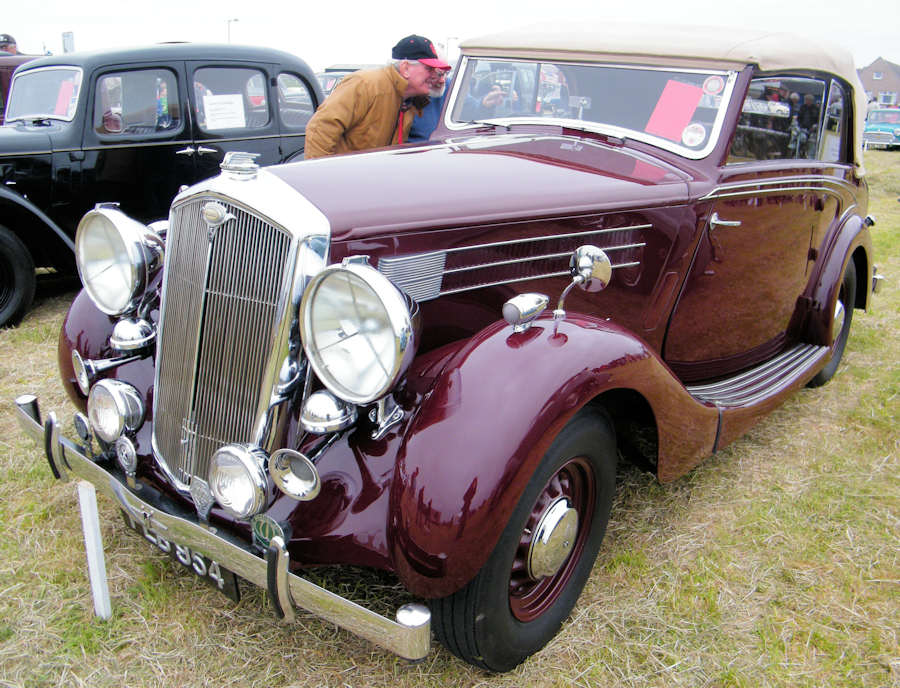 Photo: Wolseley 25 Drophead 1939