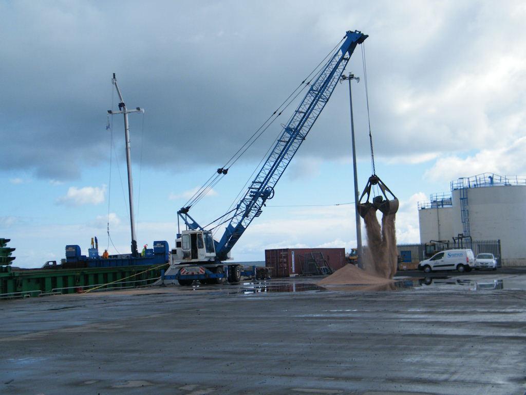 Photo: Scot Explorer Unloading Sand At Wick Harbour
