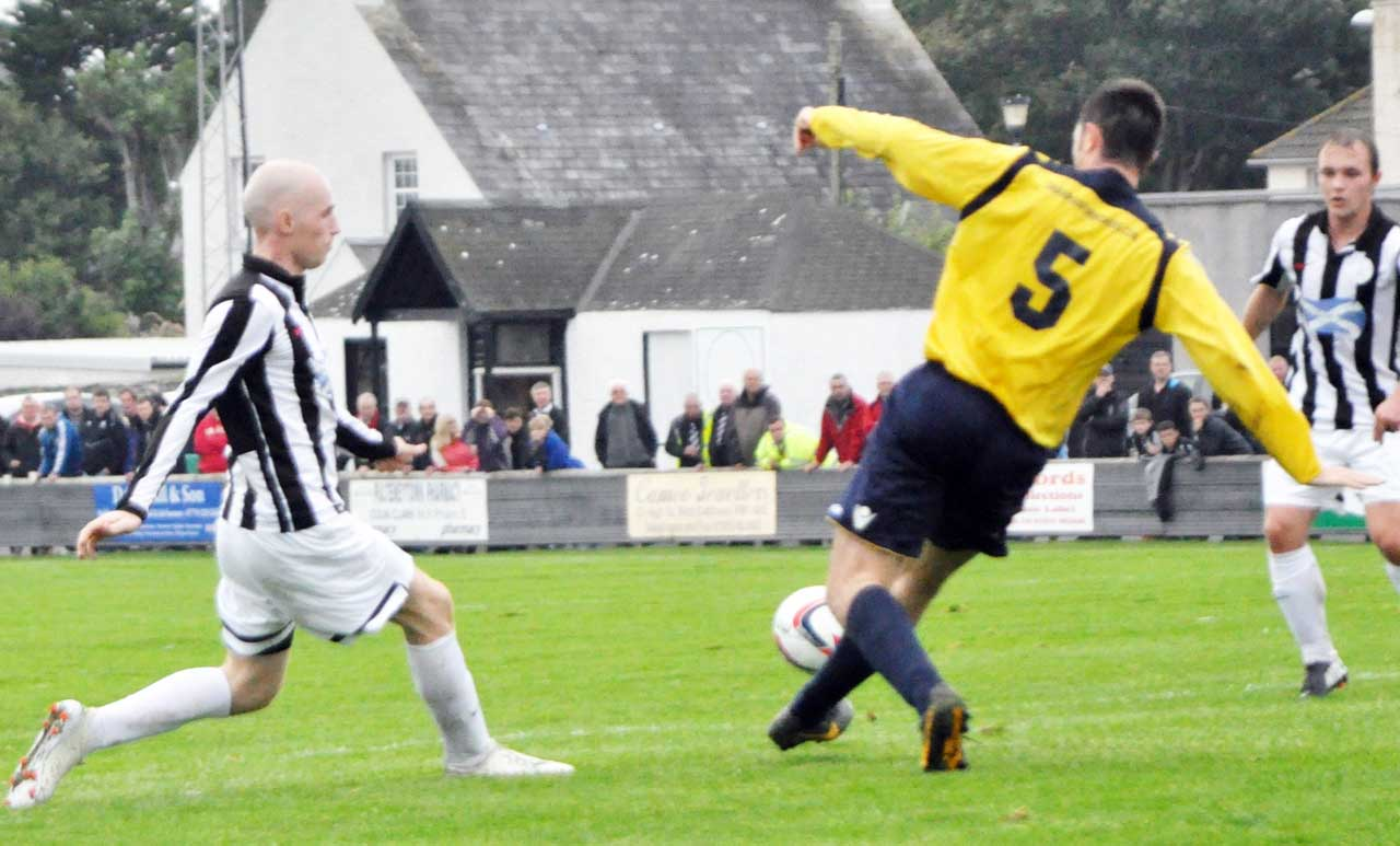 Photo: Wick Academy 5 Lossiemouth 2