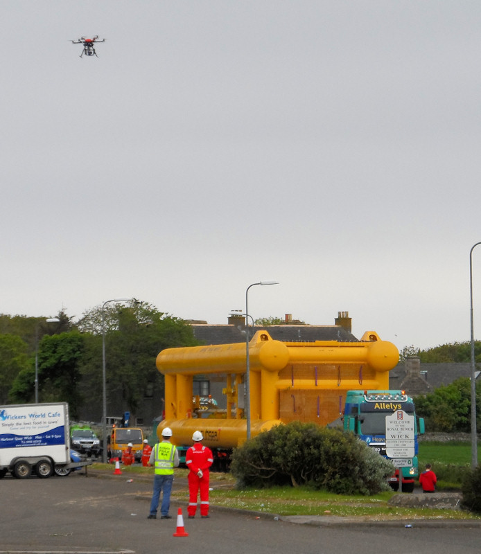 Photo: Huge Tow Head At Wick - notice the Hovering Cam in the Sky above