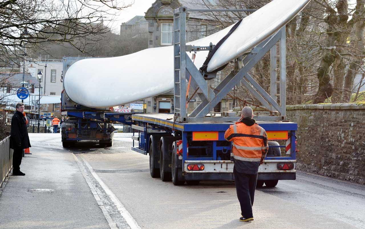 Photo: Wind Turbine Blades Move slowly Through Wick