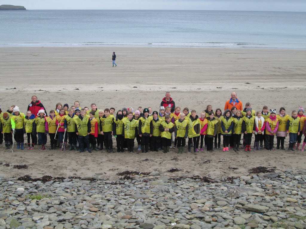 Photo: Schools Join In Beach Clean