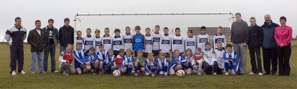 Photo: South School Footballers Accepting New Goalposts