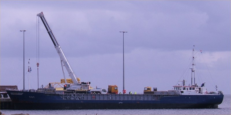 Photo: Towhead Arrives At Wick - 27 April 2006