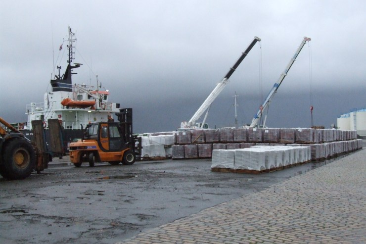 Photo: Tesco Store Unloading At Wick Harbour 1 September