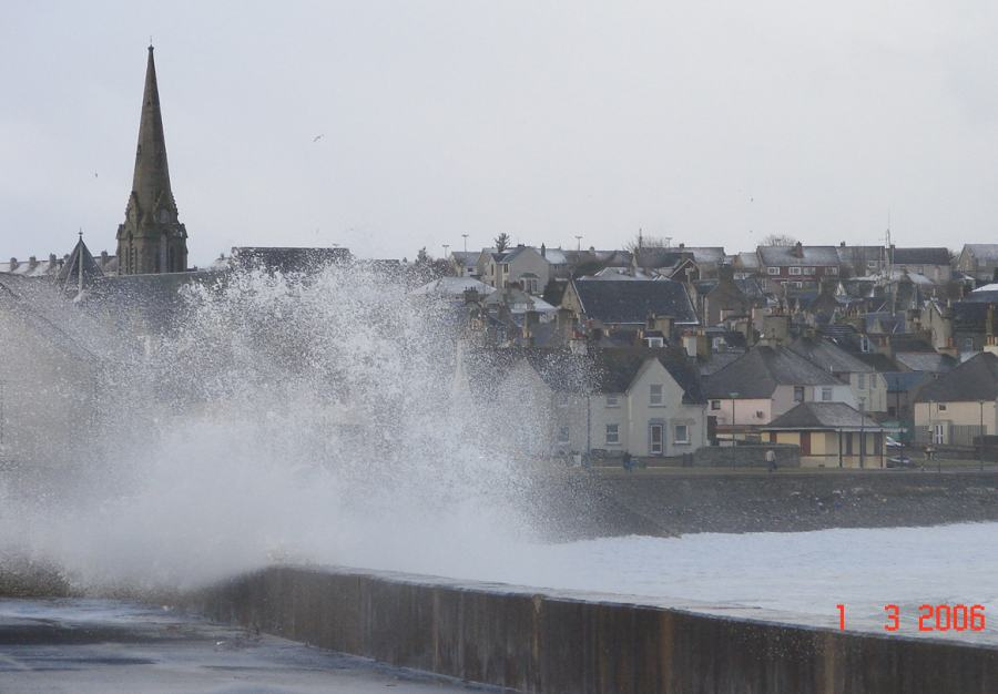 Photo: Winter Finally Comes To Caithness - Thurso High Tide 1 March 2006