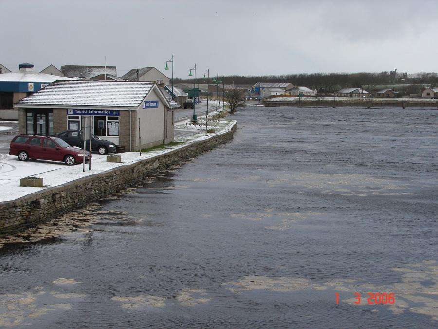 Photo: Winter Finally Comes To Caithness - Thurso Very High Tide 1 March 2006