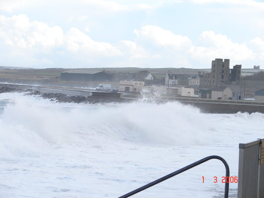 Photo: Winter Finally Comes To Caithness - Thurso Wave 1 March 2006