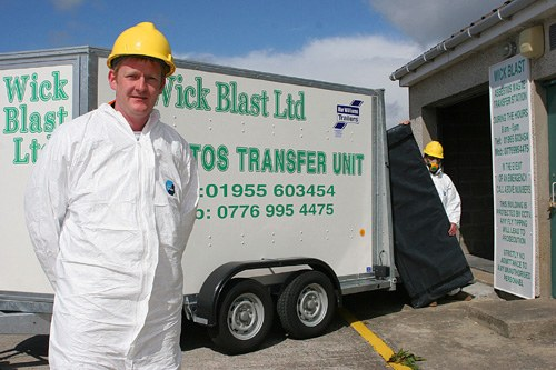 Photo: Wick Blast Licensed To Deal With Asbestos