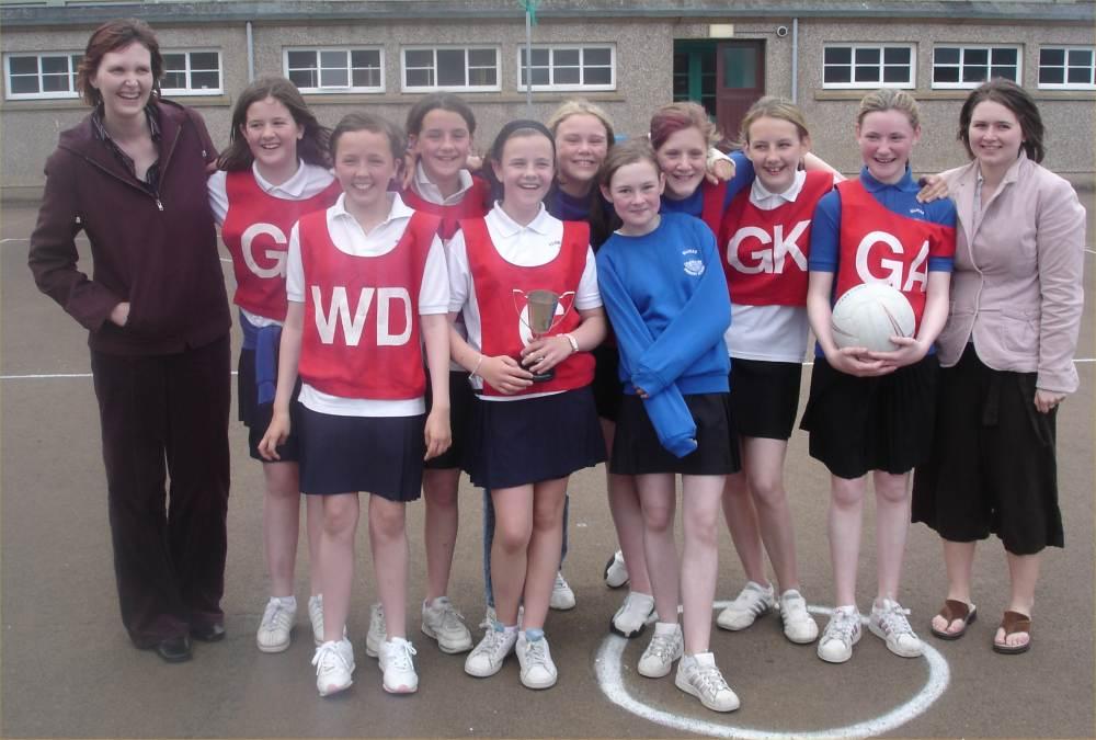 Photo: Caithness County Netball Winners 2006 - Hillhead School