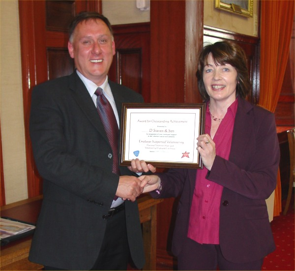 Photo: David Steven Received A Certificate And Thanks From Catherine Patterson