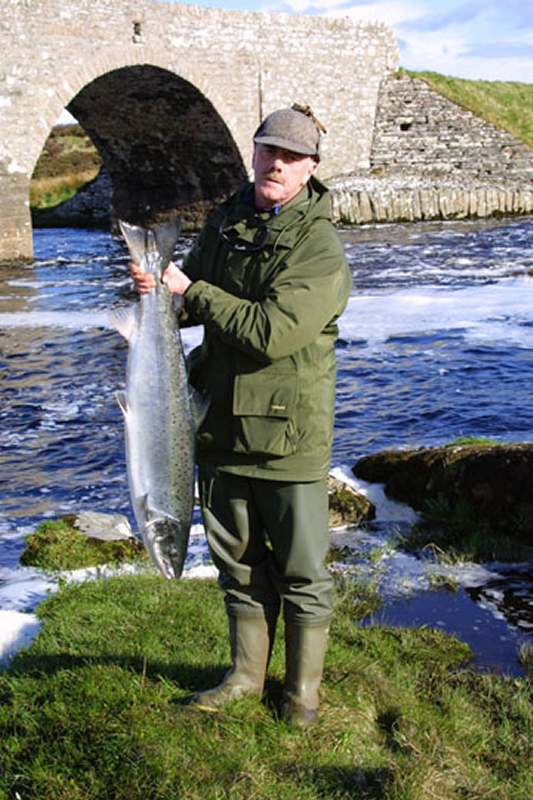 Photo: Gordon Hines - Salmon 21.75lbs