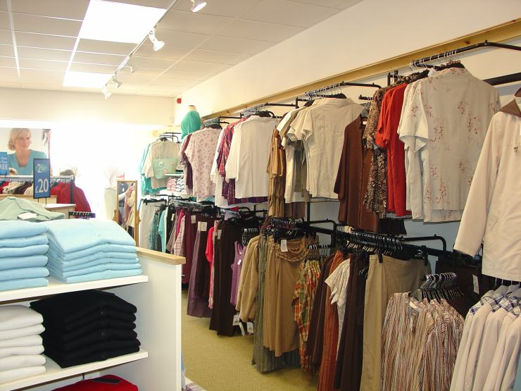 Photo: Edinburgh Woollen Mill Opened At Wick Retail Park Saturday 27 May 2006