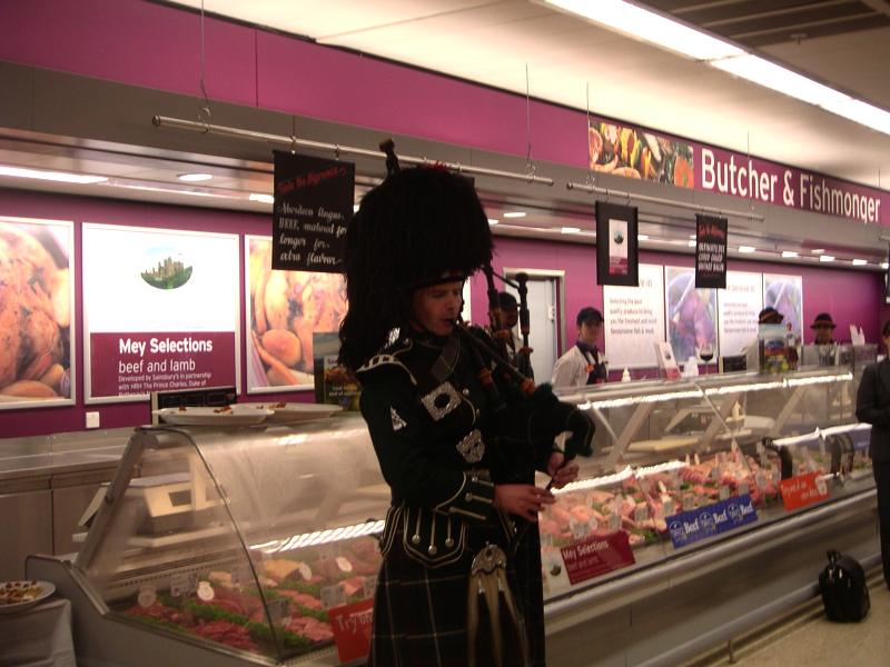 Photo: Piper Gets Mey Selections Going At Sainsbury's