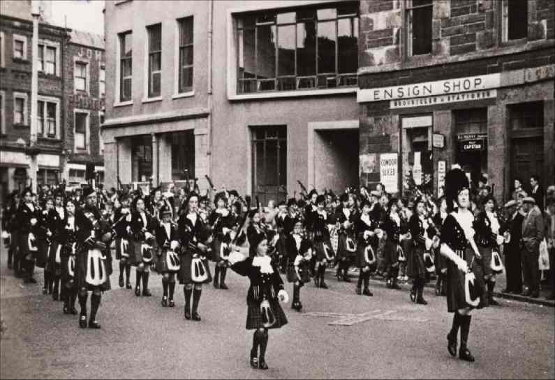 Photo: Wick Girls Pipe Band 1953 Passing Council Offices