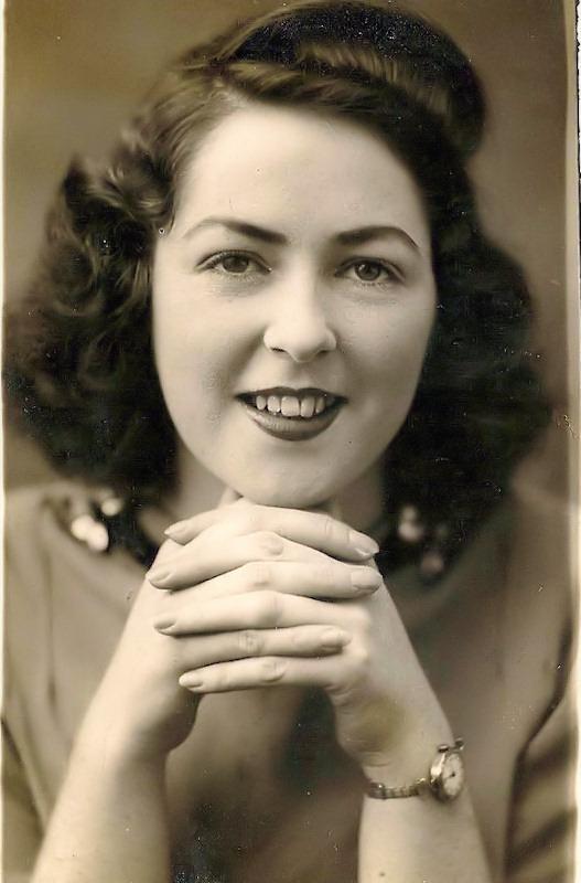 Photo: Jenny Barnie - 1945