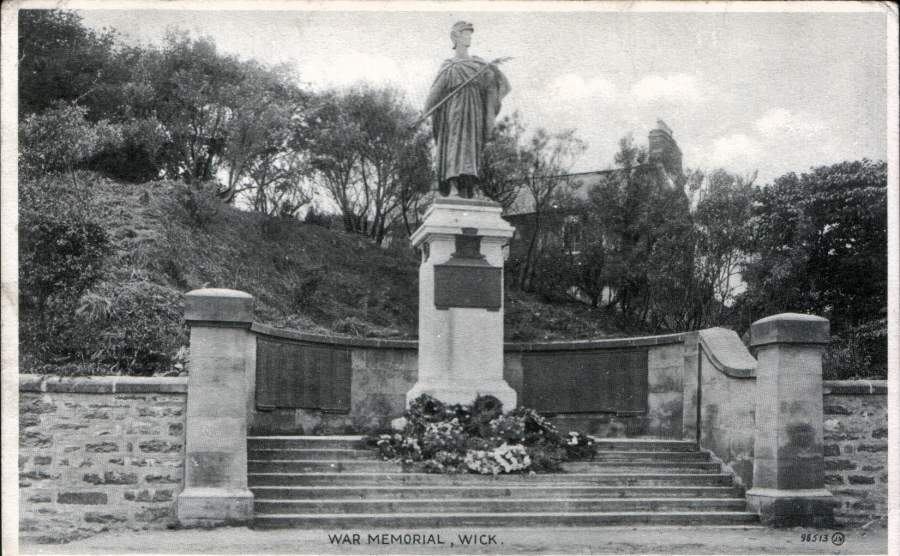 Photo: War Memorial - Posted 9 September 1926