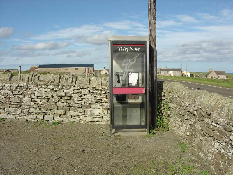 Photo: Auckengill Telephone Box